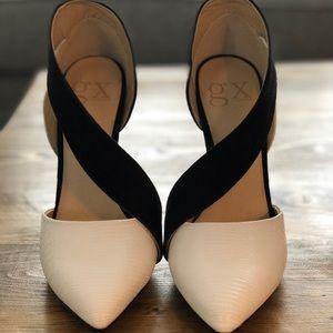 Gx• Gwen Stefani • white & black heels